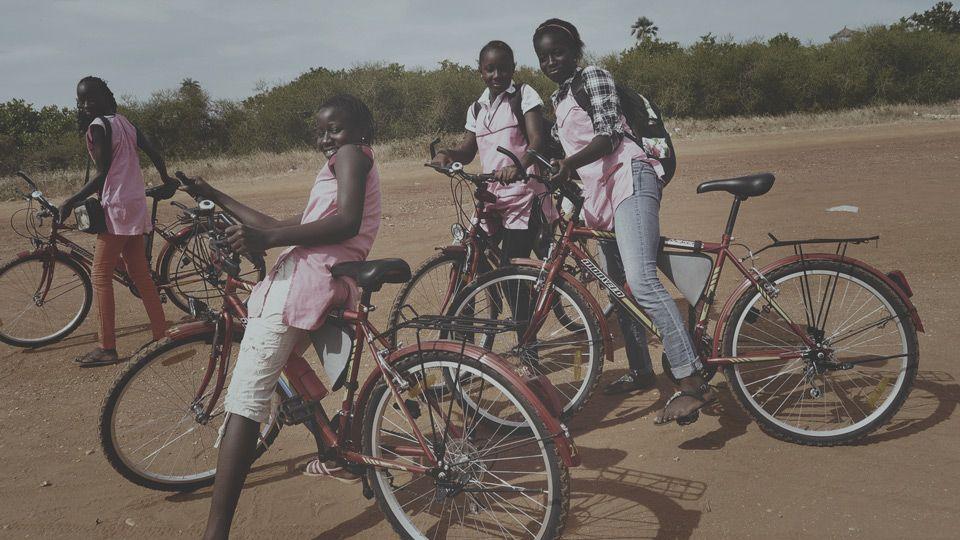 Bicicletas para la educación en Senegal